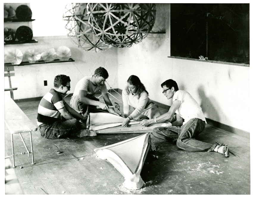 Black Mountain College, Students working on dome