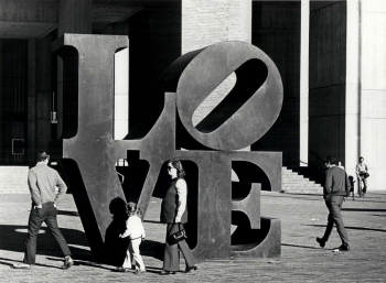 Robert Indiana, LOVE, 1975