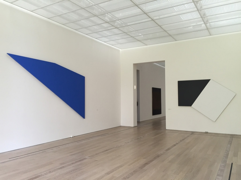 Ellsworth Kelly, Lake II, 2002 (left) and Dark Gray with White Rectangle II, 1978 (right)