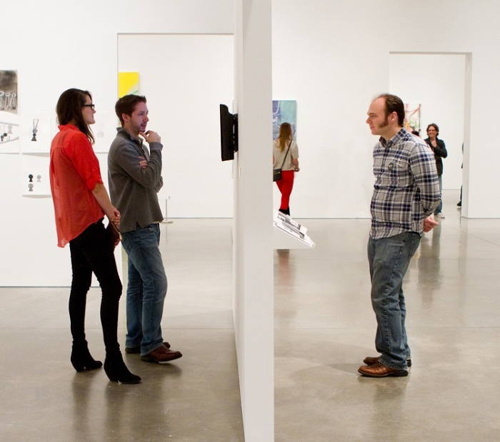 Patrons in galleries